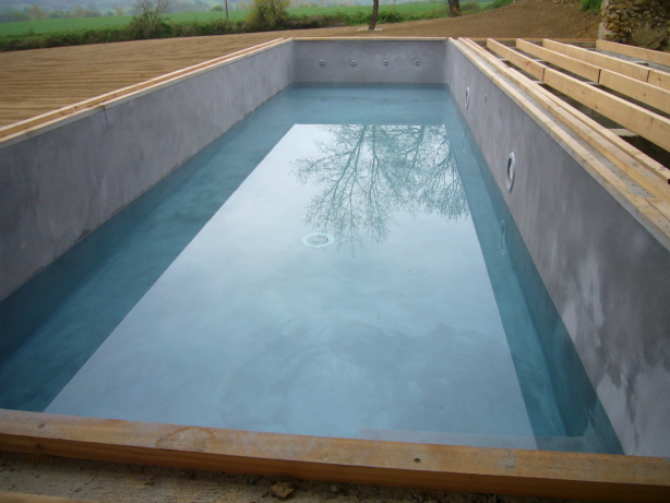 Piscine les b tisseurs d 39 arcamont for La piscine in english
