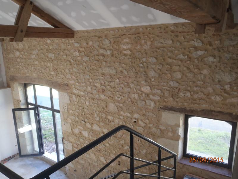 jointoiement de mur en pierre int rieur la chaux les. Black Bedroom Furniture Sets. Home Design Ideas